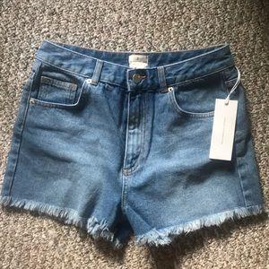 High waisted cut off jean shorts NWT